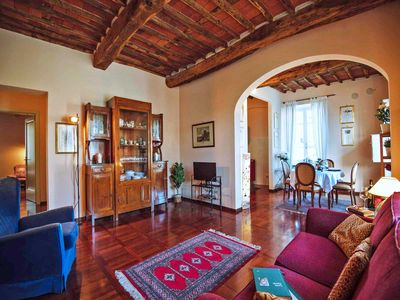 Photo for Biglia - Lucca apartment. Private parking, free WiFi, A/C. Walk to everything