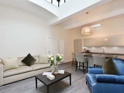Photo for Bright, new, quiet South Kensington 3 Bedroom 2 Bathroom Apartment