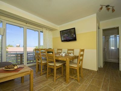 Photo for 3-room apartment, 6 pers. - Apartment house **** 50 m from the beach A 127