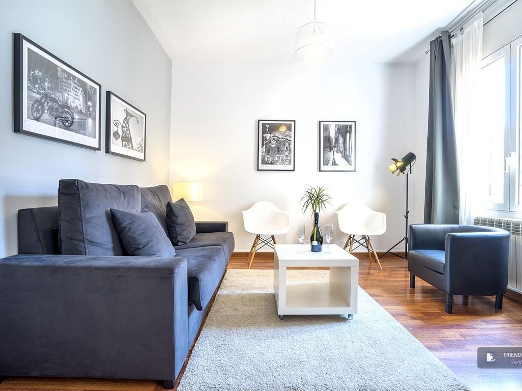 Friendly Rentals The Living Comfort 1-1 apartment in Barcelona ...