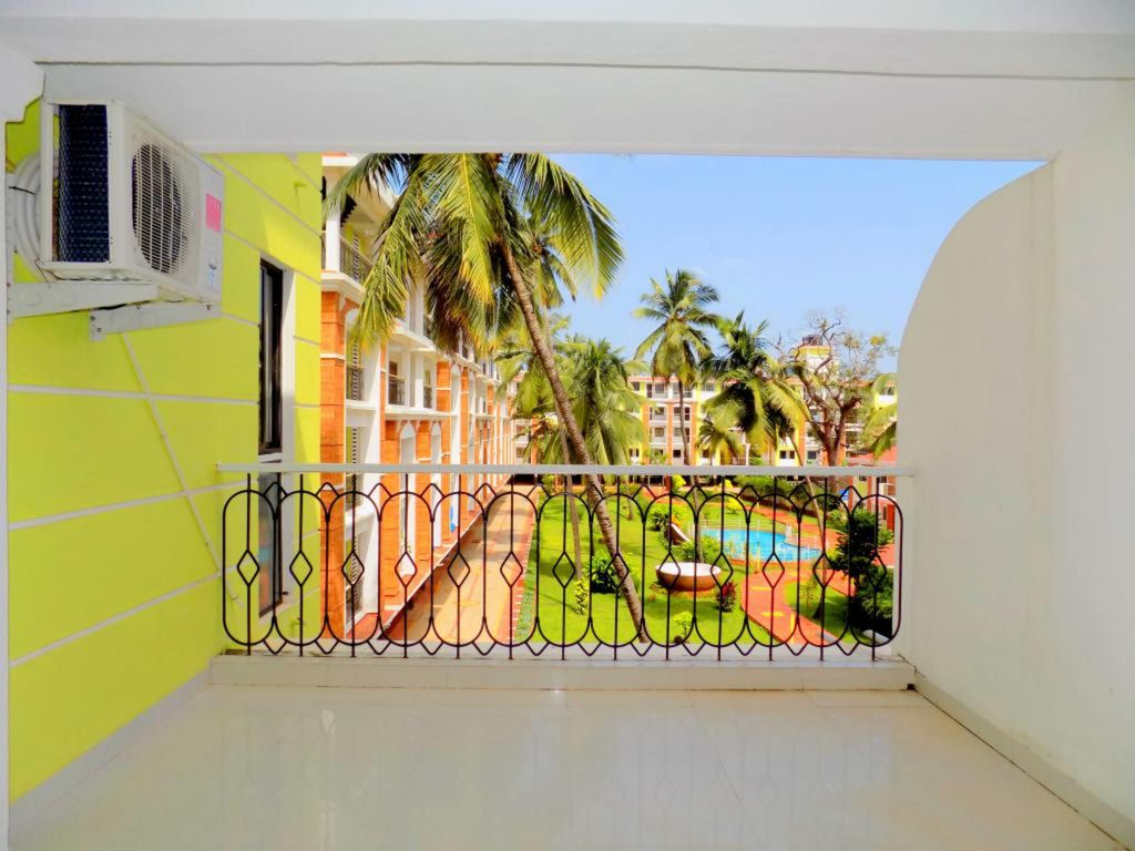 Spacious Pool View Apt in Candolim:CM011