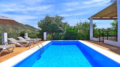 Photo for Holiday Villa With Air Conditioning, Private Pool, Free Wifi & Ping Pong
