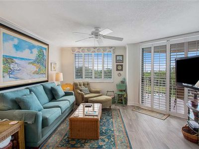 Photo for Oceanfront Condominium with Great Amenities! Beach access, pool, gated.