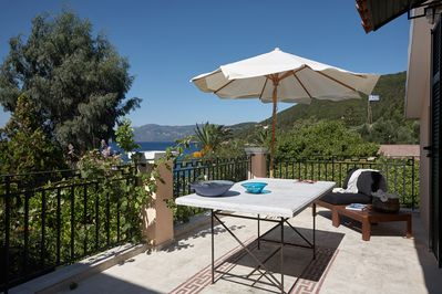 Soak the sun's warm rays to you, into the terrace and enjoy the sea view.