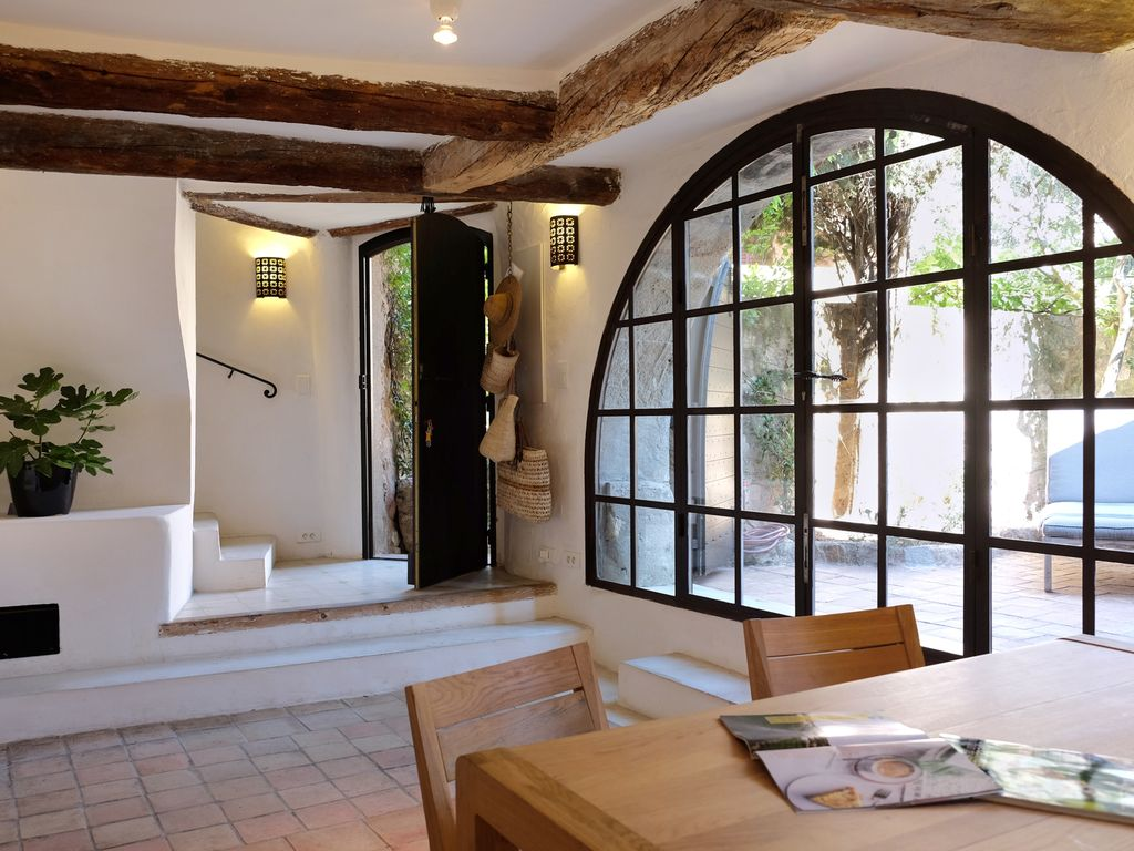 charming home with 2 private courtyards ato vrbo charming home with 2 private courtyards atop provence perched village