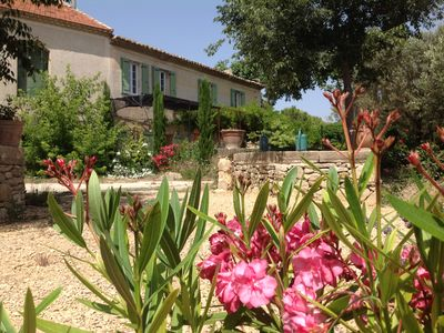 Photo for Provencal farmhouse in the heart of town