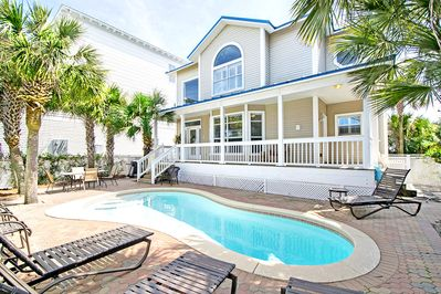 Private Pool - Ocean Breezes -across st from Gulf!