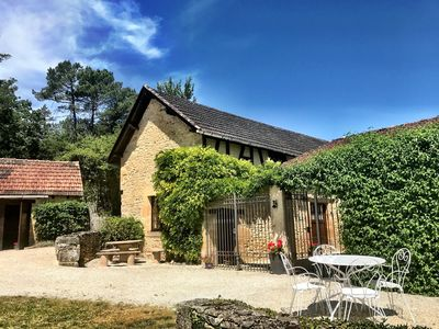 Photo for Luxury gite (8 persons) 15 kilometers from Sarlat