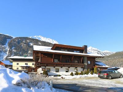 Photo for Apartments home Petershof, Längenfeld  in Ötztal - 10 persons, 5 bedrooms