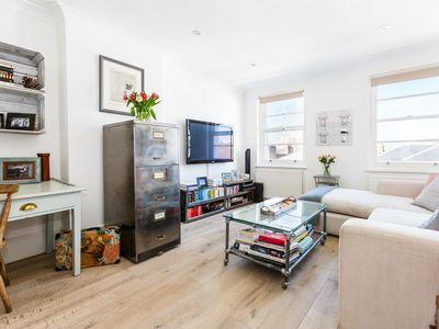 Photo for Charming One Bed with Roof Terrace in the Heart of Notting Hill