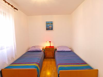 Photo for Apartment for 4 persons + extra bed and 2 bedrooms (ID 2364)