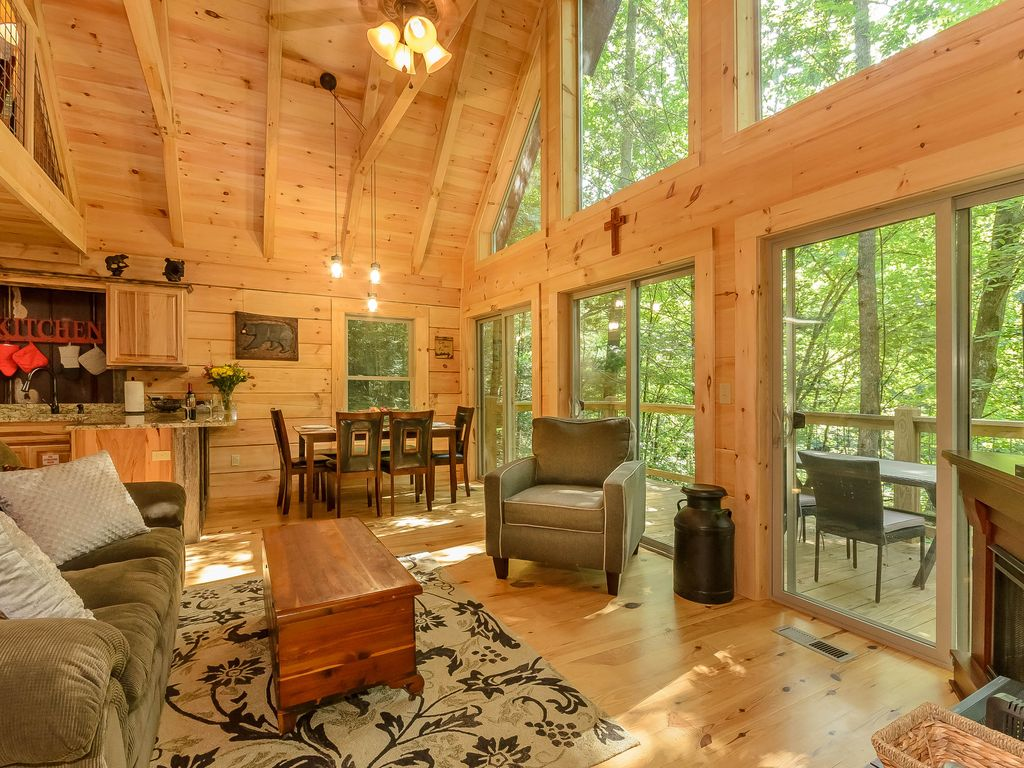 2016 newly constructed cabin minutes from d vrbo for Nuvola 9 cabin gatlinburg
