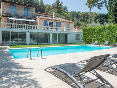 Photo for Provencal villa with pool, garden, barbecue