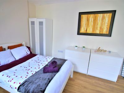 Photo for Stunning STUDIO Apartment in Hove NEXT TO THE sea