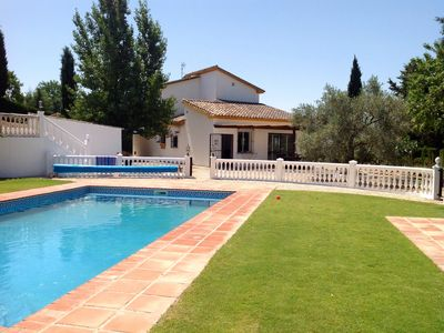 Photo for Charming villa with very private pool set in a beautiful olive grove