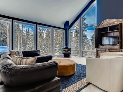 Photo for Sunny and bright this home is nestled in the Aspen trees on 1.81 acres