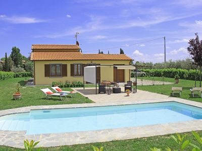 Photo for Villa in Pietraia with 3 bedrooms sleeps 6
