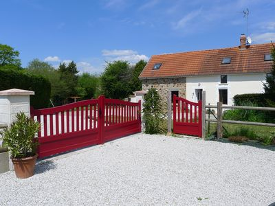 Photo for Lovely detached cottage with private garden, pool, grass tennis court near beach