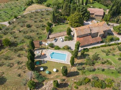 Photo for House only 4 km from Cortona, sleeps 12. Private pool, AC, Wi-Fi and small gym