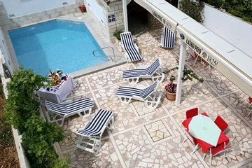 Photo for Apartments Miroslava, (10398), Seget Vranjic, Trogir riviera, Croatia