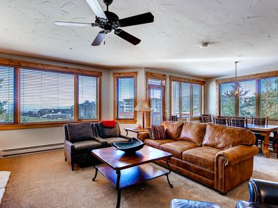 Photo for Luxurious 5 Bedroom/5 Bathroom Slope Side Condo! Loaded w/Amenities!