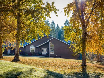 Photo for Gorgeous and Spacious Home on 20 Acres, mins from Glacier Park & Whitefish