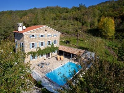 Photo for Large Villa, Stone, detached with pool, 8 pers. 20 min, from beach