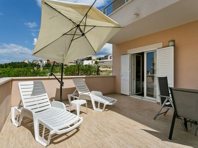 Photo for Inviting Apartment in Podstrana with Terrace