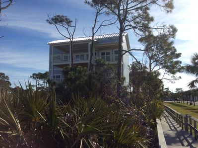 Front of the house from the boardwalk to the beach
