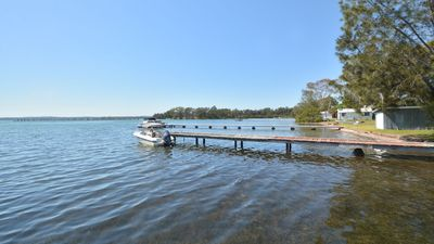 Photo for Morisset Bay Waterfront Studio - Relax and Soak up the Sun