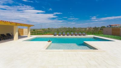 Photo for Beautiful villa with private pool near the sea