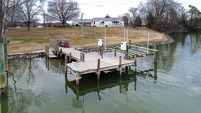 Full access to pier for crabbing and fishing