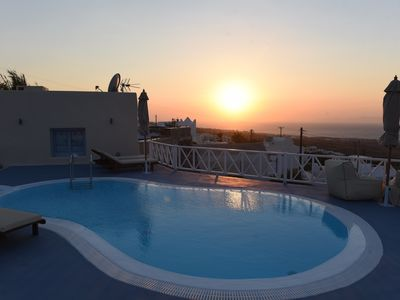 Photo for Luxury Villa 5 suites. Amazing seaview and sunset. Private Pool & Jacuzzi