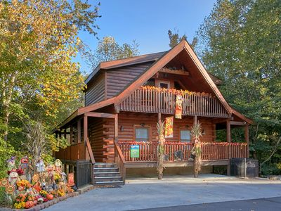 Photo for 3 Bedroom Pigeon Forge Resort Cabin with Theater Room, Game Room and Hot Tub