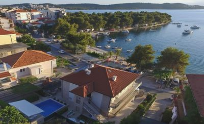 Photo for Seaside family friendly house with a swimming pool Trogir - 17358