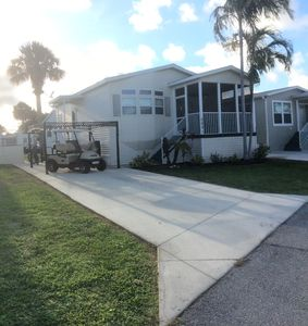 Photo for 2 Bed/2 Bath Modern Home,  Loaded With Amenities, Golf Cart, Bike