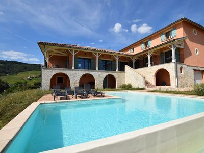 Photo for Villa surrounded by vineyards, with private swimming pool, sauna and cinema