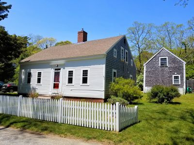 Photo for Beautifully-restored 4BD Antique--Walk to Paine Hollow Town Landing