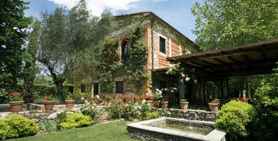 Photo for Villa Rosalba, 6+ bdrm villa, minutes away from Florence and thermal spas