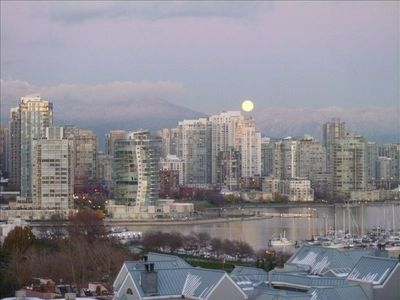 Photo for Luxury 2 BR Condo W/ Stunning Views, Vancouver, July 12 - Aug 9 2019