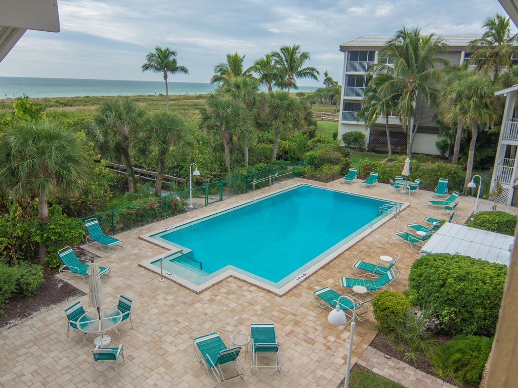Beach Front 3 Bedroom On The East End Of Sanibel Island Sanibel Island Florida South Central