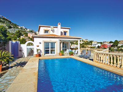 Photo for Cosy apartment for 6 guests with private pool, WIFI, TV and parking