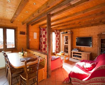 Photo for Beautiful and comfortable family apartment 300 m from the slopes for 6/8 pers