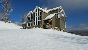 Amazing Mountain Home with million dollar view!!