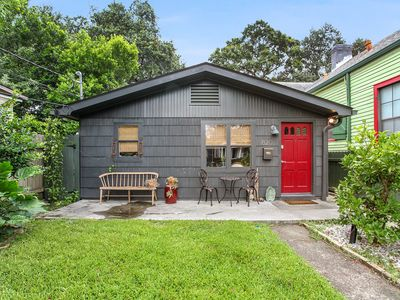Photo for Charming and safe Uptown house steps from Audubon Zoo and shopping on Magazine