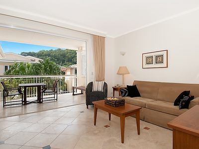 Photo for Resort View 1 bed Laguna On Hastings, Heated Pool, Spa, Gym, parking, lifts