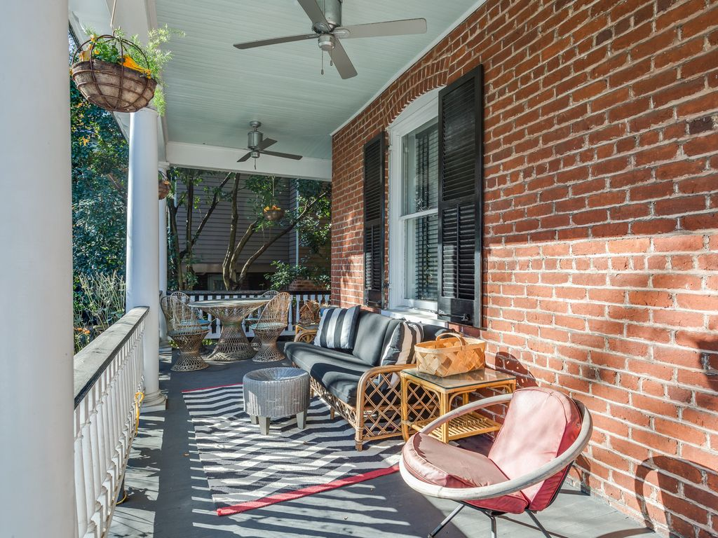 Historical Modernized House In Downtown Cha Homeaway