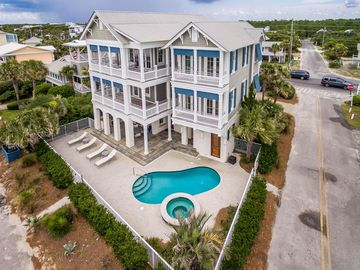 'My Wife's a Beach' 12 Steps to Beach Access-Private  Pool and Hot Tub