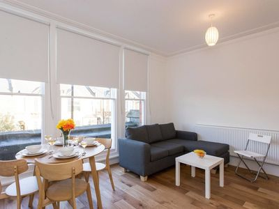Photo for Sleek 2BR flat in Hither Green/by Mountsfield Park