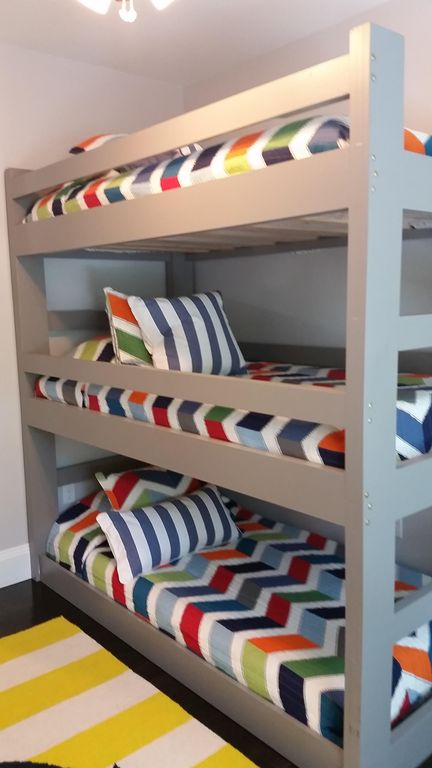 3 level bunk bed